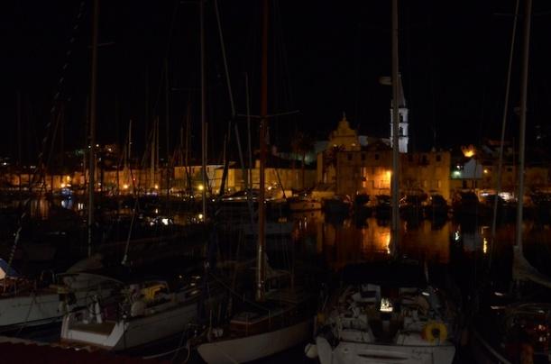 Hafen von Milnar bei Nacht